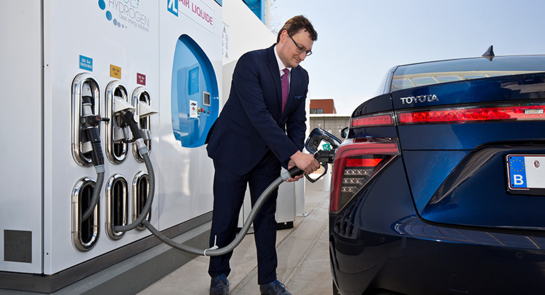 Toyota Mirai with hydrogen station