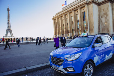 Hype taxi to Paris : hydrogen vehicle